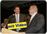 Bezirksparteiobmann Abgeordneter Lukas Mandl begrüßte Justizminister Wolfgang Brandstetter. Der Humor kam auch angesichts großer Herausforderungen auf allen Ebenen nicht zu kurz.